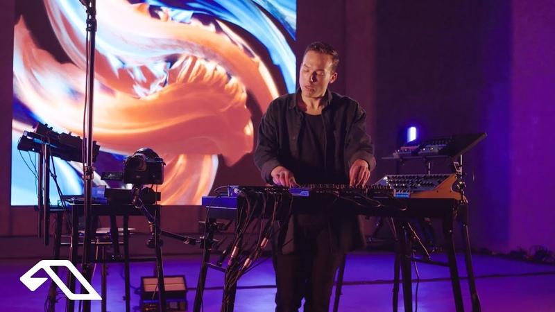 Ben Böhmer Fade to Blue Live from the König Galerie Berlin
