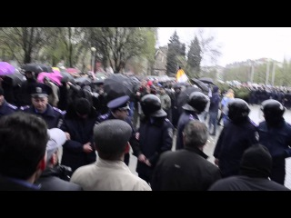 Запорожье наказали сепаратистов. 300 ватрушек и тимченко