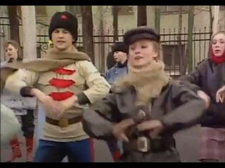 Подготовка советских ансамблей к параду в Париже (1989)