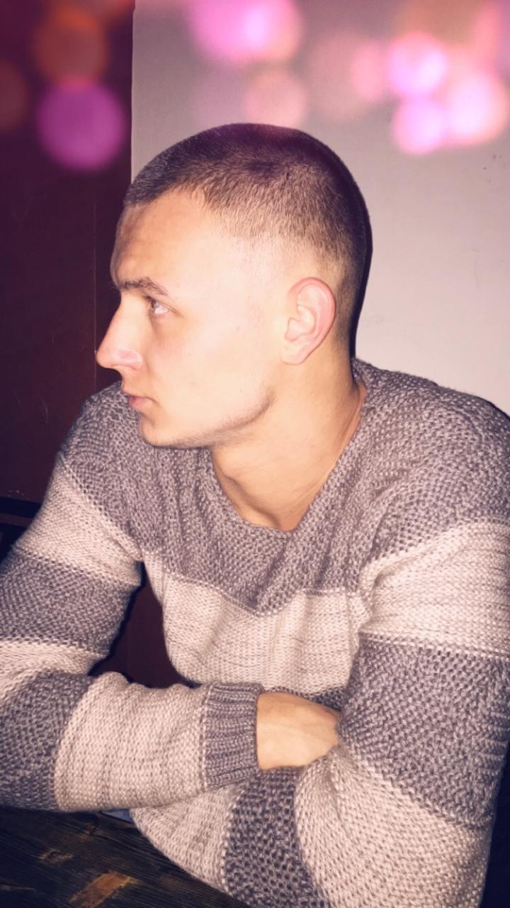 Nazaryan, 23, Kamyshin