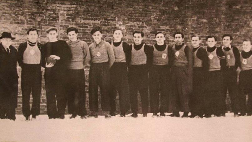 МИФИ. Георгий Лебедев шестой слева