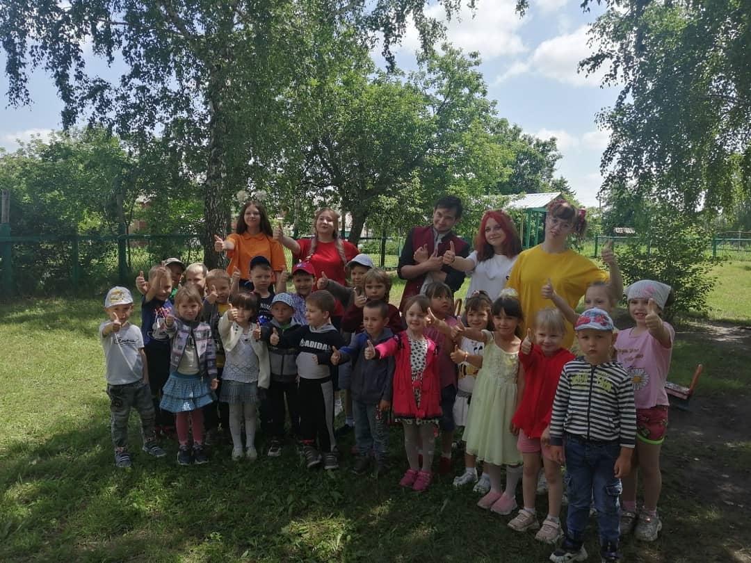 Студенты Петровского политеха провели развлекательную программу для дошколят