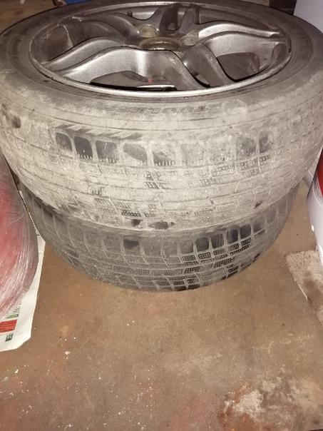 Продам r14 диски на ваз с резиной цена за комплект...