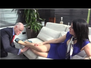 Feet Fettish Real Housewives of Buckinghamshire Lady Bellatrix & subby hubby